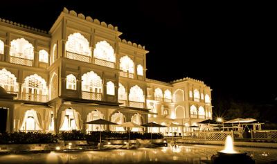 Khách Sạn TajmaSago Castle