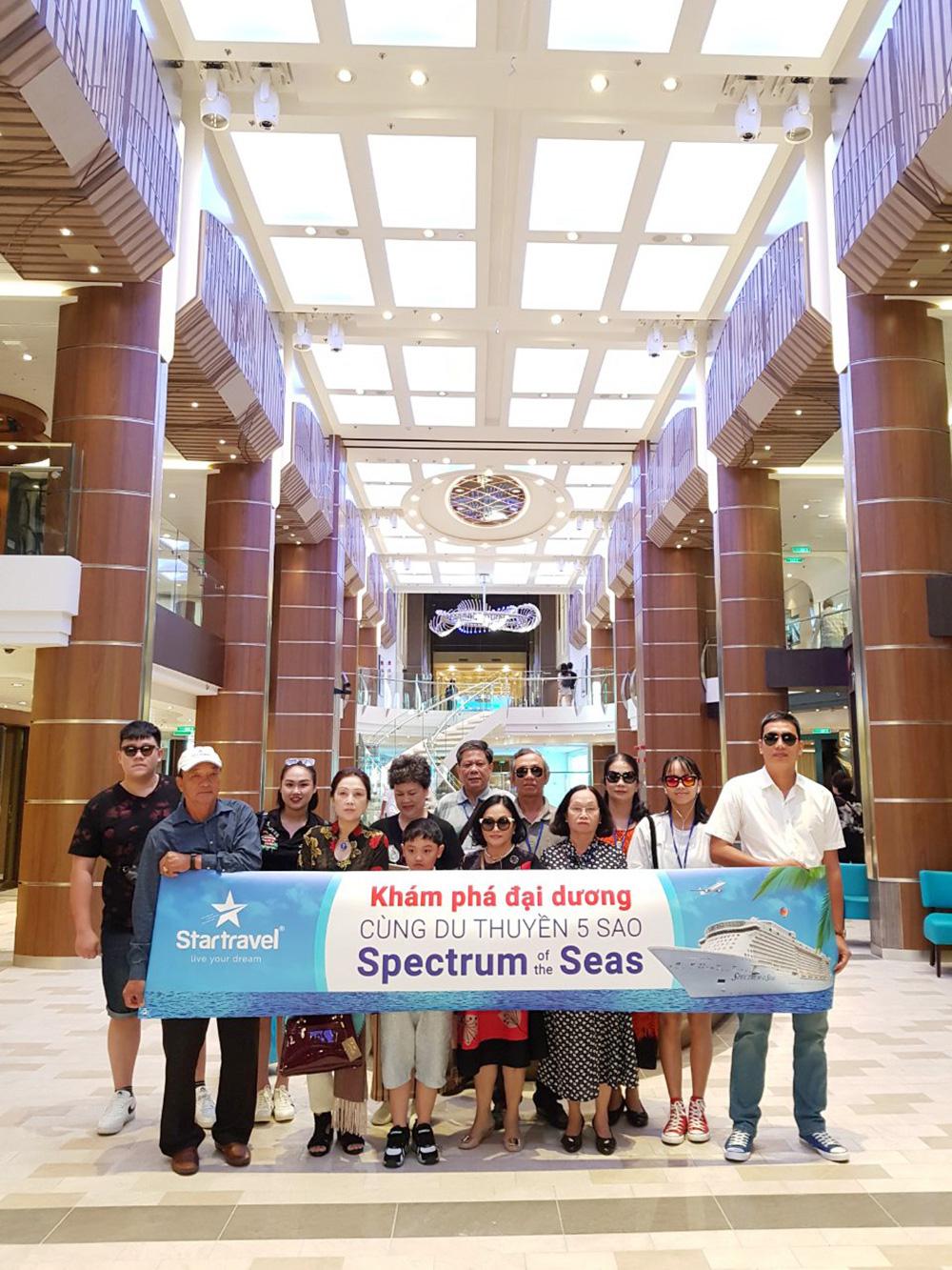 Đoàn khách tham quan Singapore - Malaysia ngày 21/05/2019