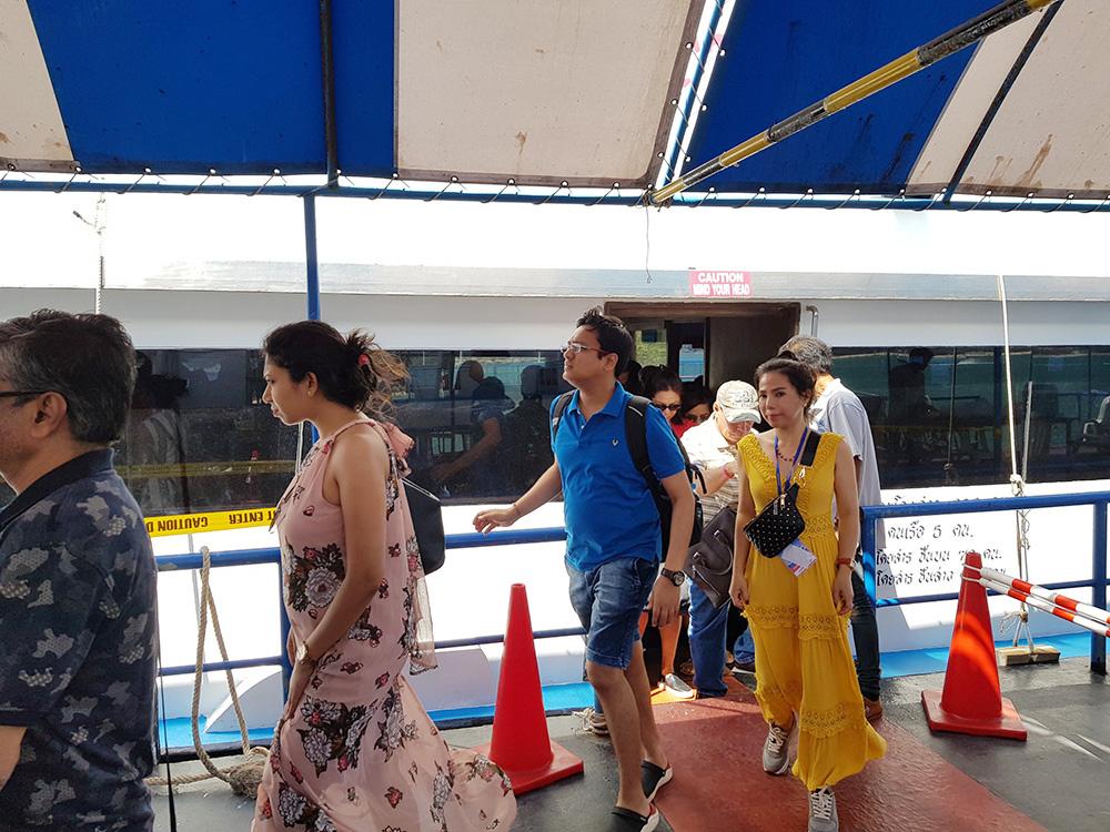 Đoàn khách tham quan Singapore - Malaysia - Thái Lan ngày 25/02/2019