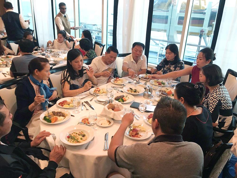 Đoàn khách tham quan Singapore - Malaysia - Thái Lan ngày 24/09/2018