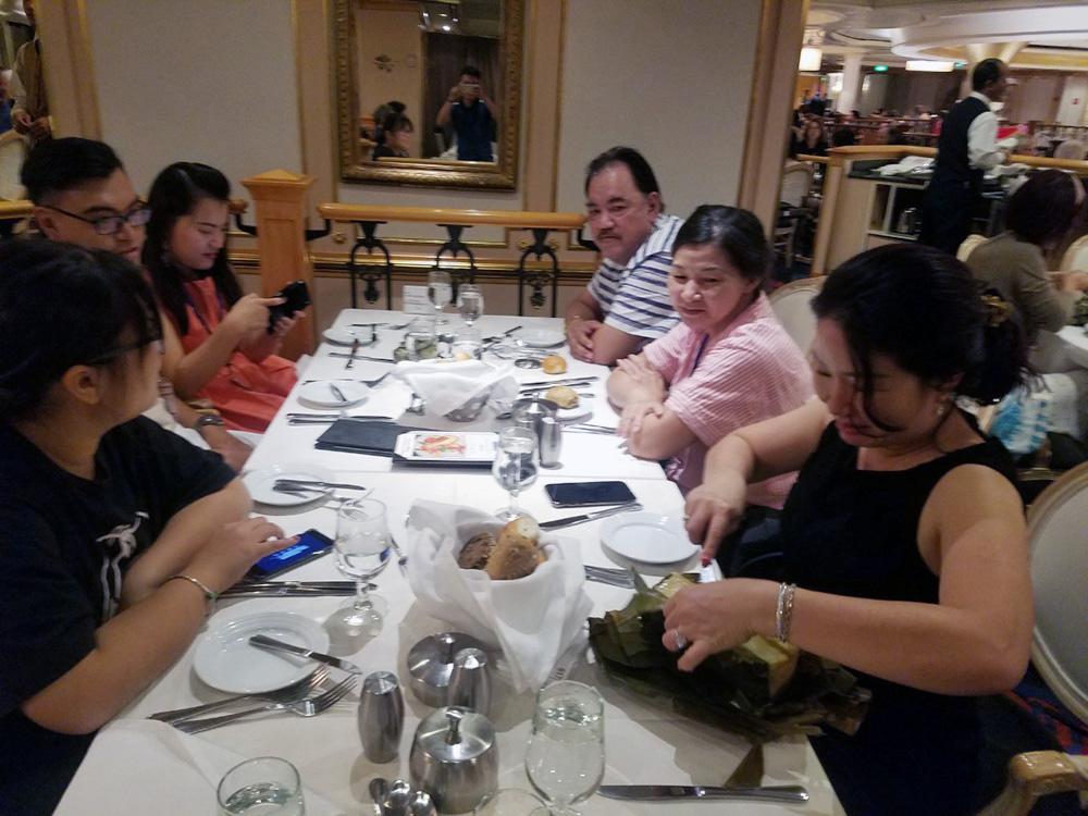 Đoàn khách tham quan Singapore - Malaysia - Thái Lan ngày 02/02/2019