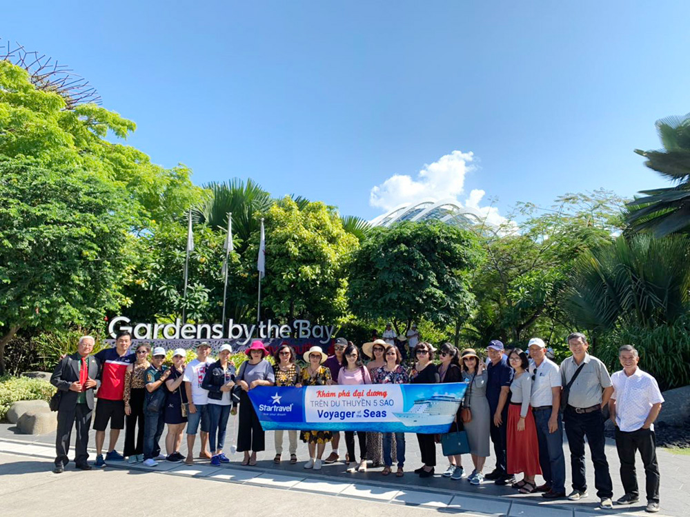 Đoàn khách tham quan Singapore - Malaysia ngày 24/05/2019