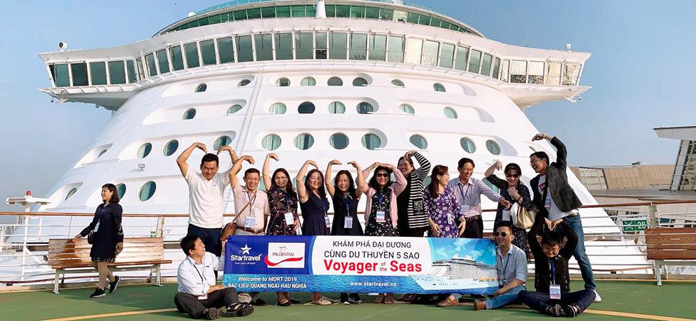 Đoàn khách tham quan Singapore - Malaysia ngày 11/03/2019