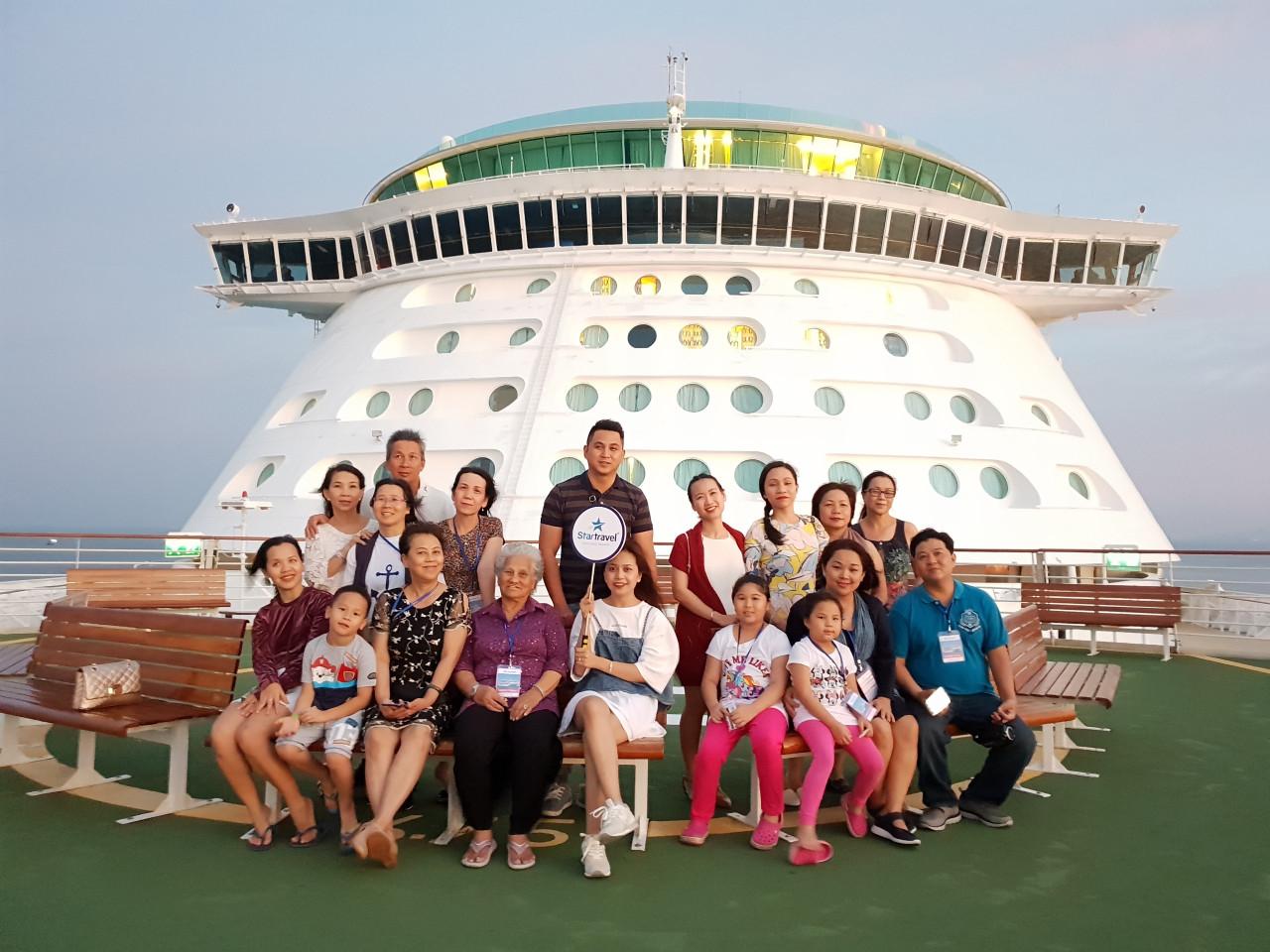 Đoàn khách tham quan Singapore - Malaysia ngày 16/11/2018
