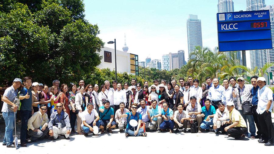 Hình khách tham quan Singapore