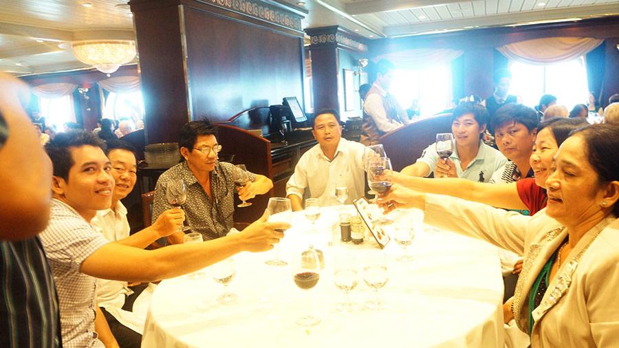 Hình khách tham quan Singapore 8