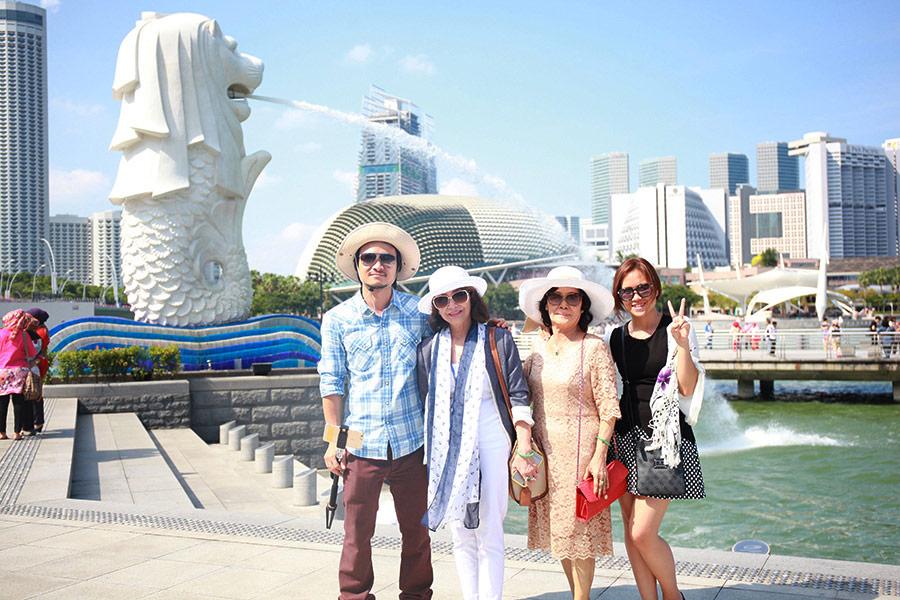 Hình khách tham quan Singapore 7