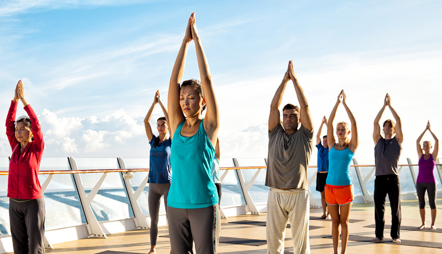 Tập yoga trên Du thuyền