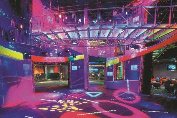 RCI_Voyager_Nightclub_UR.jpg