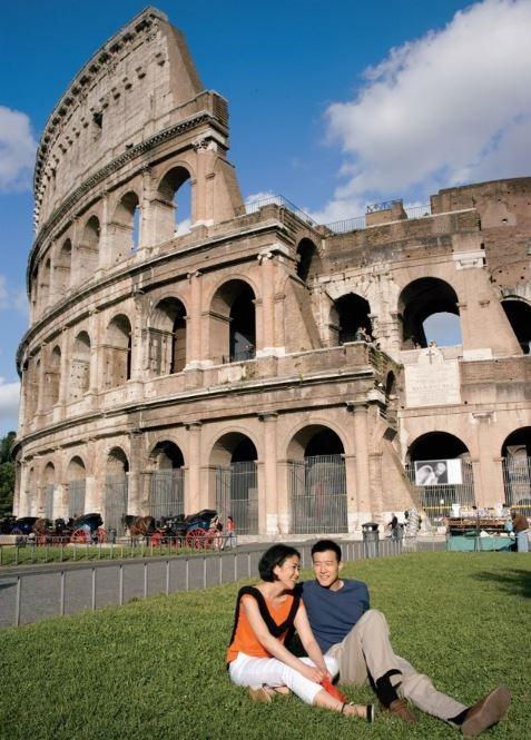 ROME , Ý (Ăn: phục vụ 24/24 trên du thuyền)