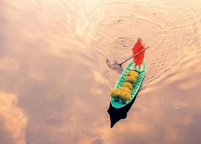 """Tác phẩm """"Thuyền hoa"""" của Việt Nam lọt top ảnh đẹp thế giới"""