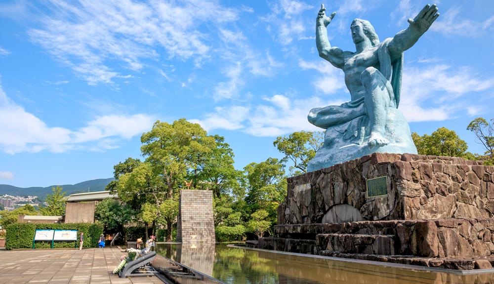 du thuyền 5 sao đài tưởng niệm hòa bình nagasaki