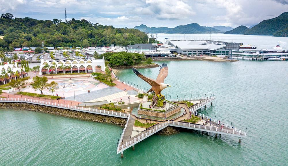 du thuyền biển biểu tượng đại bàng langkawi malaysia