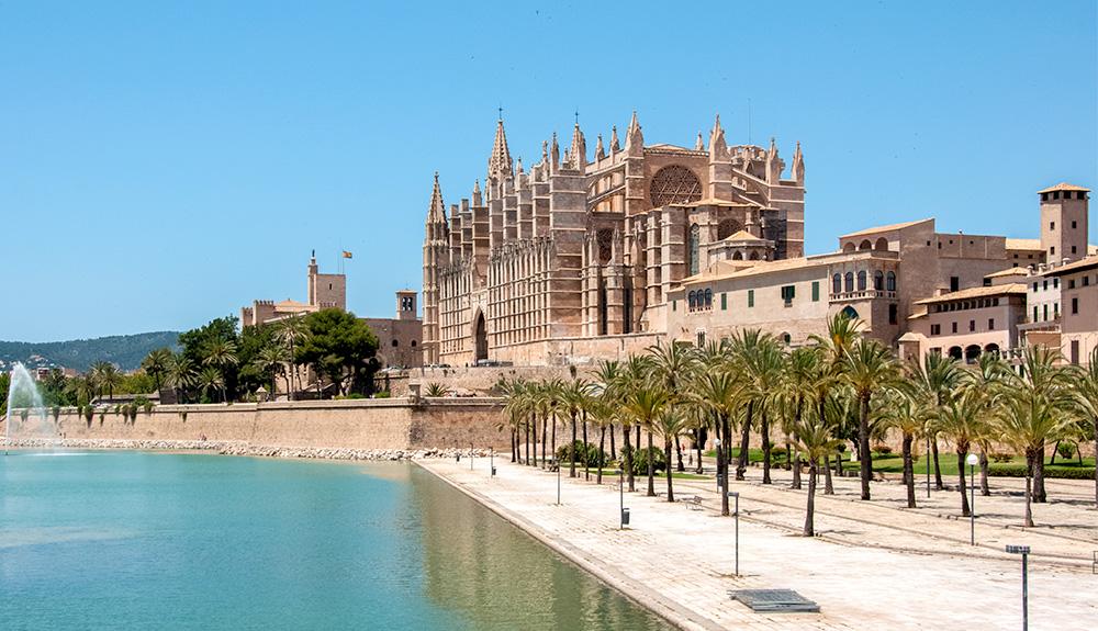 Du thuyền 5 sao nhà thờ Palma/La Seu Mallorca