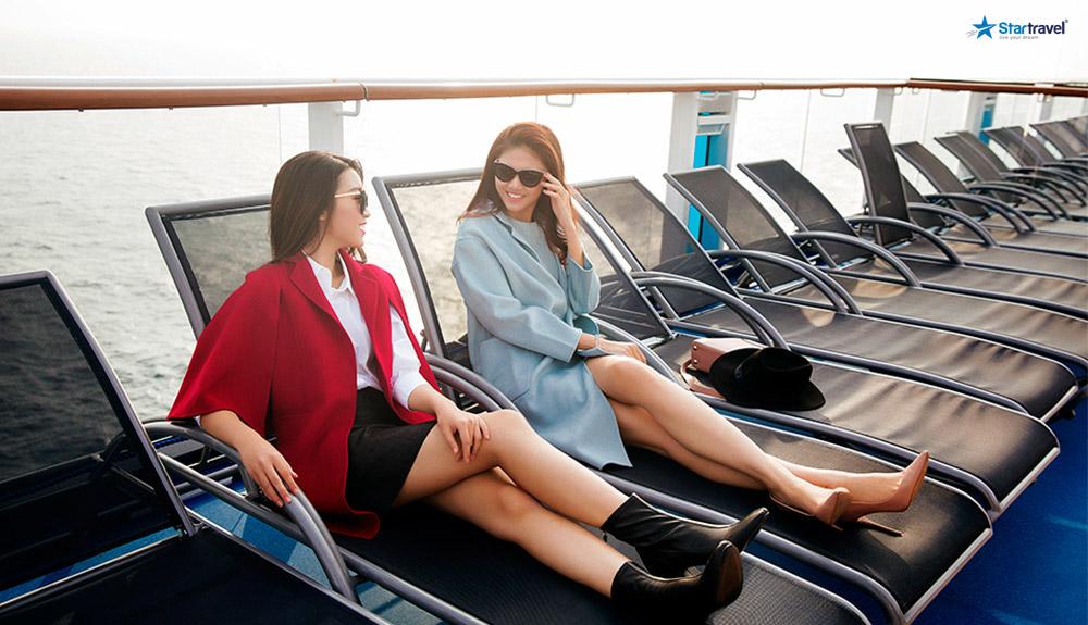 du thuyền biển thư giãn trên du thuyền