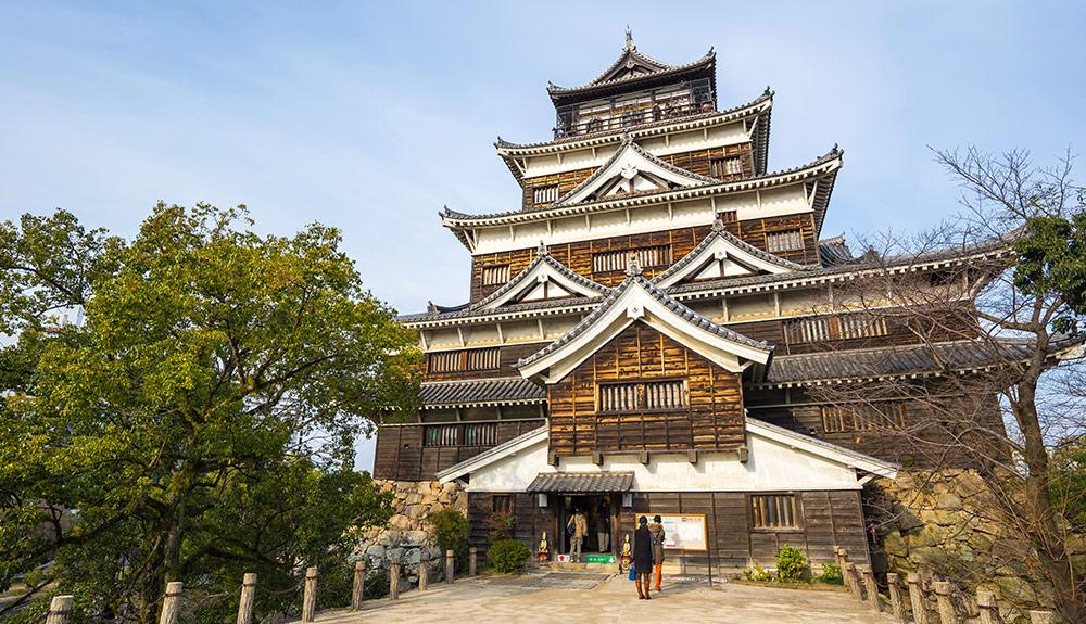 du thuyền 5 sao lâu đài hiroshima nhật bản
