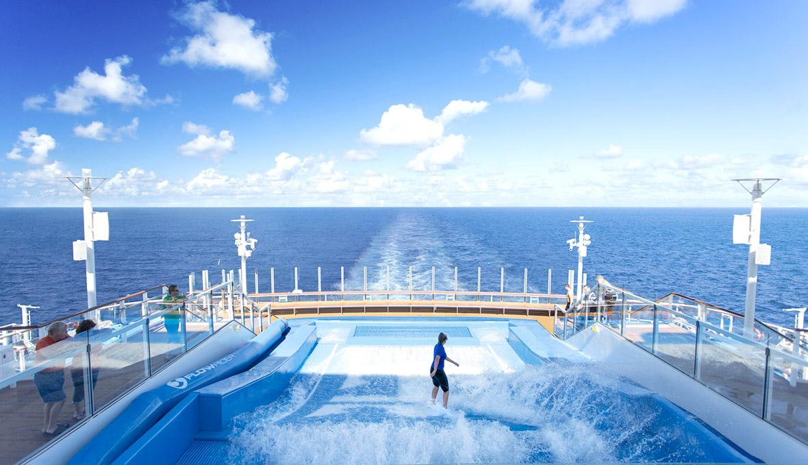 du thuyền 5 sao lướt sóng trên du thuyền
