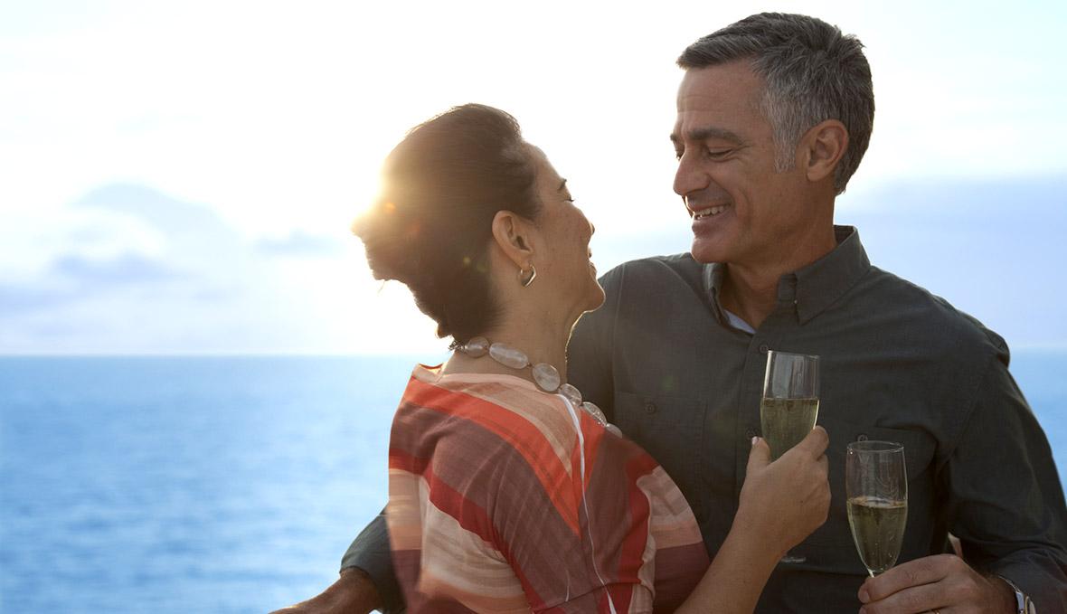 du thuyền 5 sao khoảnh khắc hạnh phúc trên du thuyền