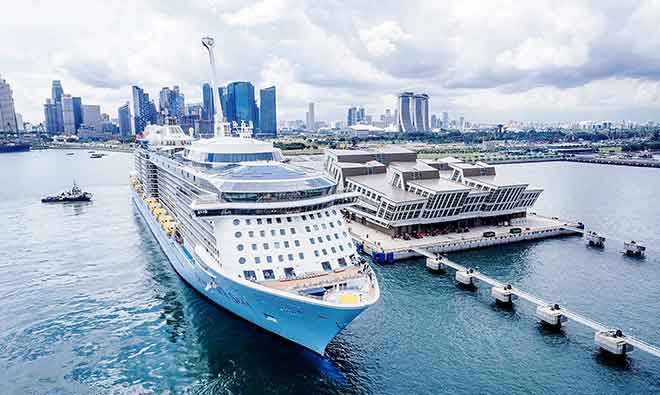 Ovation Of The Seas cập bến Singapore