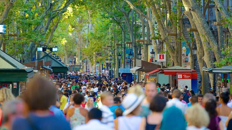Đại lộ Las Ramblas biểu tượng của thành phố Barcelona