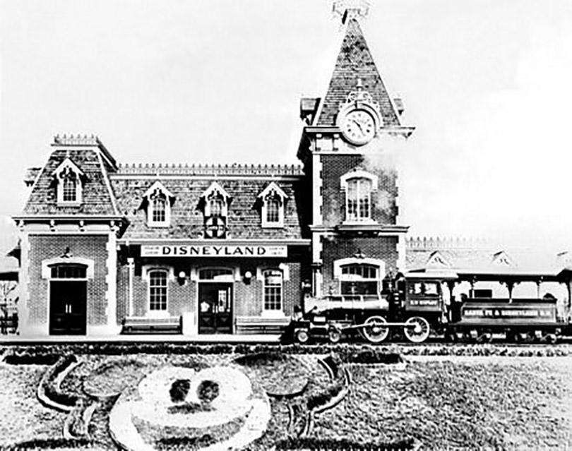 Khám phá các công viên Disneyland lừng danh thế giới
