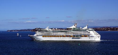 Tour du thuyền Voyager of the Seas - Trải nghiệm tuyệt vời dịp lễ 2/9