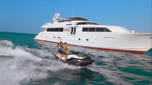 Trải nghiệm thiên đường biển Hawaii bằng du thuyền